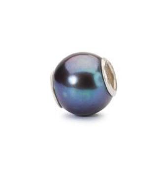 Peacock pearl