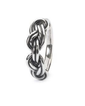 Savoy knot ring